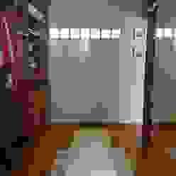 Vestidor de Dormitorio en Suite Himis, Habis y Haim Dormitorios modernos: Ideas, imágenes y decoración Madera Marrón