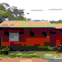 Fachada Frontal por Oria Arquitetura & Construções Colonial