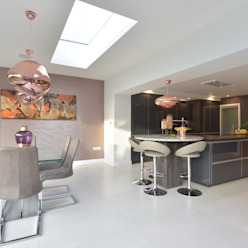Mr & Mrs O'Hare by Diane Berry Kitchens Modern Glass
