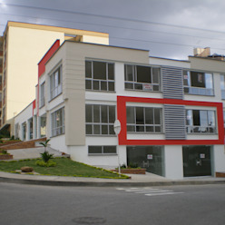 ME&CLA Ingeniería y Arquitectura Minimalist house