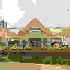 Stuppendo D arquitetura Edifícios comerciais ecléticos Ferro/Aço Multi colorido