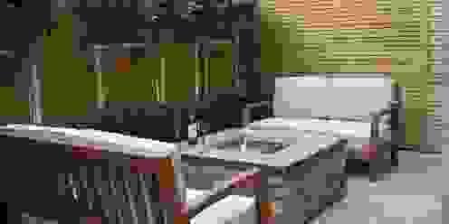 Urban Courtyard for Entertaining Jardines de estilo moderno de Bestall & Co Landscape Design Ltd Moderno