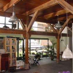 verbouw en uitbreiding koeienschuur tot villa:  Woonkamer door Friso ten Holt   architect  Msc lid BNA  - Studio Abbestede