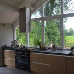 Woning te Tytsjerk:  Keuken door Dorenbos Architekten bv