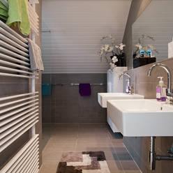 Zeewolde:  Badkamer door Hans Been Architecten BNA BV
