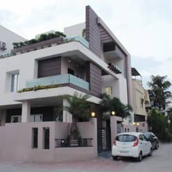Duplex at Indore:  Houses by Shadab Anwari & Associates.