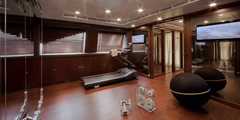 Yates y jets de estilo  por CRN SPA - YACHT YOUR WAY-