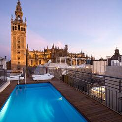 Hotel EME en Sevilla, España Donaire Arquitectos Piscinas de estilo ecléctico