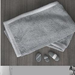 cotton sponge by Poemo Design POEMO DESIGN Paesaggio d'interni