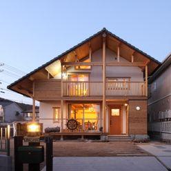 ATELIER TAMA Casas de estilo rural