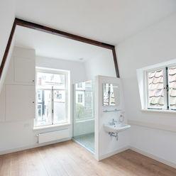 de zolder verdieping Architectenbureau Vroom Klassieke slaapkamers