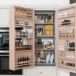 Contemporary design redefined Neptune Cocinas pequeñas