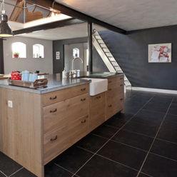 Landelijk zwart met eiken Thijs van de Wouw keuken- en interieurbouw Landelijke keukens