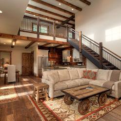 Lucky 4 Ranch Uptic Studios Rustikale Wohnzimmer