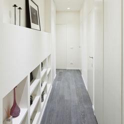 Appartamento a Bollate bdastudio Ingresso, Corridoio & Scale in stile minimalista
