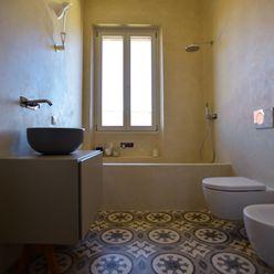 Restauro San Zeno (Verona) K.B. Ristrutturazioni Bagno in stile classico Piastrelle