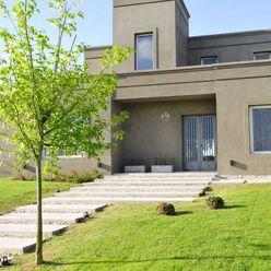 Casa en Pilará Aulet & Yaregui Arquitectos Casas modernas: Ideas, imágenes y decoración