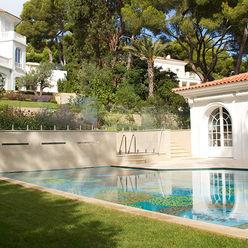 Pool and Spa Aqua Platinum Projects Classic style pool