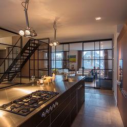 RENOVATIE APPARTEMENT AMSTERDAM DENOLDERVLEUGELS Architects & Associates Klassieke keukens