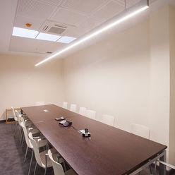 Iluminación sala de juntas Taralux Iluminación, S.L. Estudios y despachos de estilo ecléctico