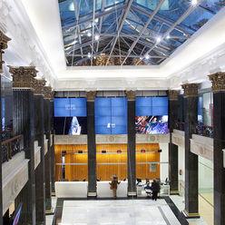 Iluminación edificio público Taralux Iluminación, S.L. Estudios y despachos de estilo ecléctico