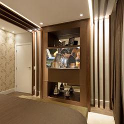 Casa Villa Designer de Interiores e Paisagista Iara Kílaris Quartos modernos Madeira Castanho