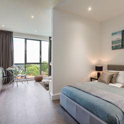 Modern Studio Apartment in London homify Moderne slaapkamers Wit