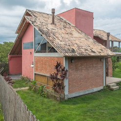 A+R arquitetura Müstakil ev Tuğla Kırmızı