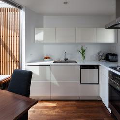 株式会社 ギルド・デザイン一級建築士事務所 置入式廚房 White