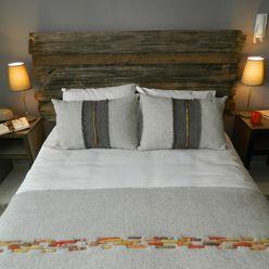Dormitorio principal DDO Diseño Dormitorios de estilo rústico Madera Gris
