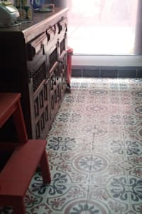 de estilo  por Crafted Tiles
