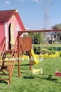 Sakura Ahşap – Tarçın Oyun Evi - Yan Görünüş: modern tarz Bahçe
