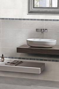 MINIMAL GREY : Bagno in stile in stile Moderno di CERAMICHE BRENNERO SPA
