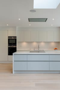 North London house refurbishment: modern Kitchen by DDWH Architects