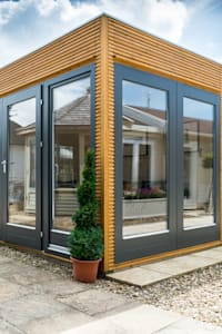 Linea contemporary garden room with storage:  Garden Shed by Garden Affairs Ltd