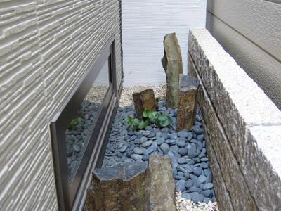 和の小庭: Gokansha/ゴカンシャが手掛けた庭です。