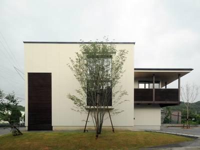 小屋名の家: FrameWork設計事務所が手掛けた家です。