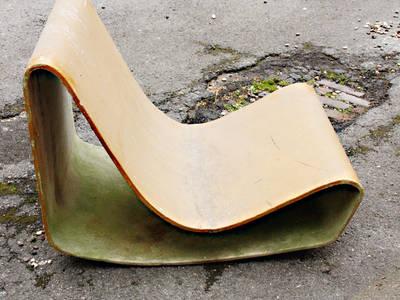 Willy Guhl Loop Chair:   von RICCIO