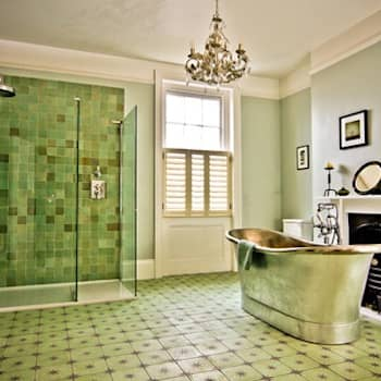 Albany Villas: classic Bathroom by Parker bathrooms & Kitchens