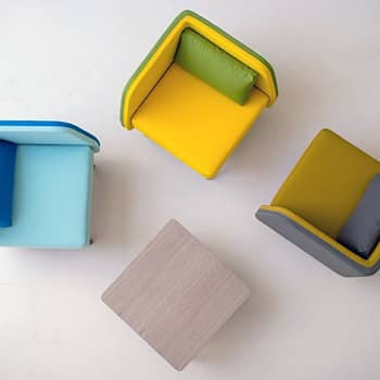 Bi Silla designed by Silvia Ceñal: Escritório  por Two.Six