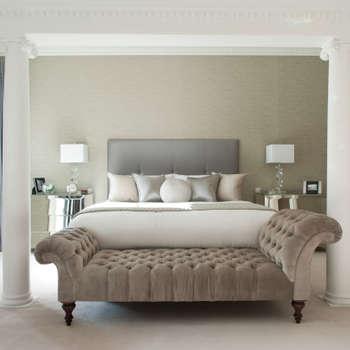 Camera da letto in stile in stile Moderno di Roselind Wilson Design