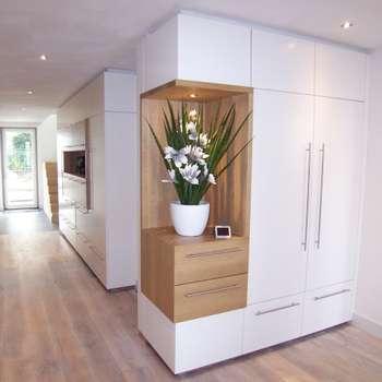 nieuwe interieur elementen: moderne Gang, hal & trappenhuis door EIKplan architecten BNA