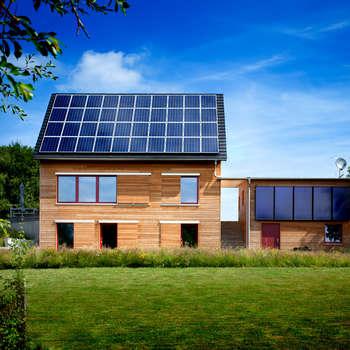 Einfamilienhaus: klassische Häuser von Thoma Holz GmbH