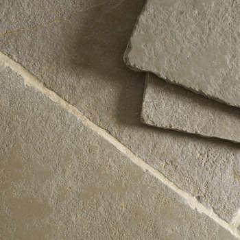 landelijke Keuken door Floors of Stone Ltd
