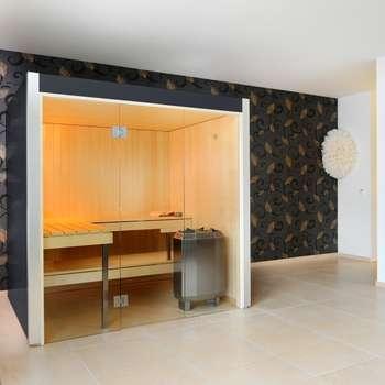 Spas modernos por Küng AG Saunabau