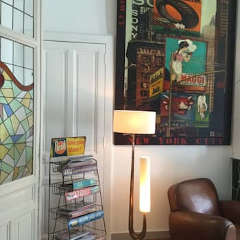 lampe Jeanne Hofffmann design créations: Salon de style de style Moderne par HOFFMANN DESIGN CREATIONS