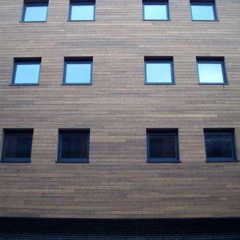 Bamboe: moderne Huizen door Punto Verde Bamboe toepassingen