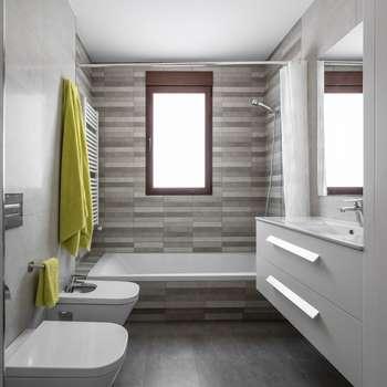 LLIBERÓS SALVADOR Arquitectosが手掛けた浴室