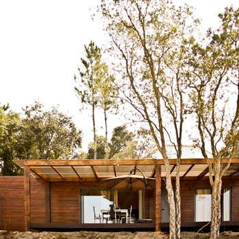 Projecto Bungalow Alcobaça: Habitações  por goodmood - soluções de habitações