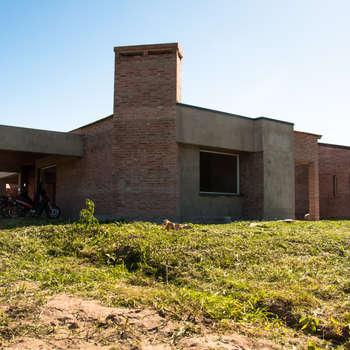 CASA ZURLO - BARDUCCO: Casas de estilo moderno por norte.ARQ